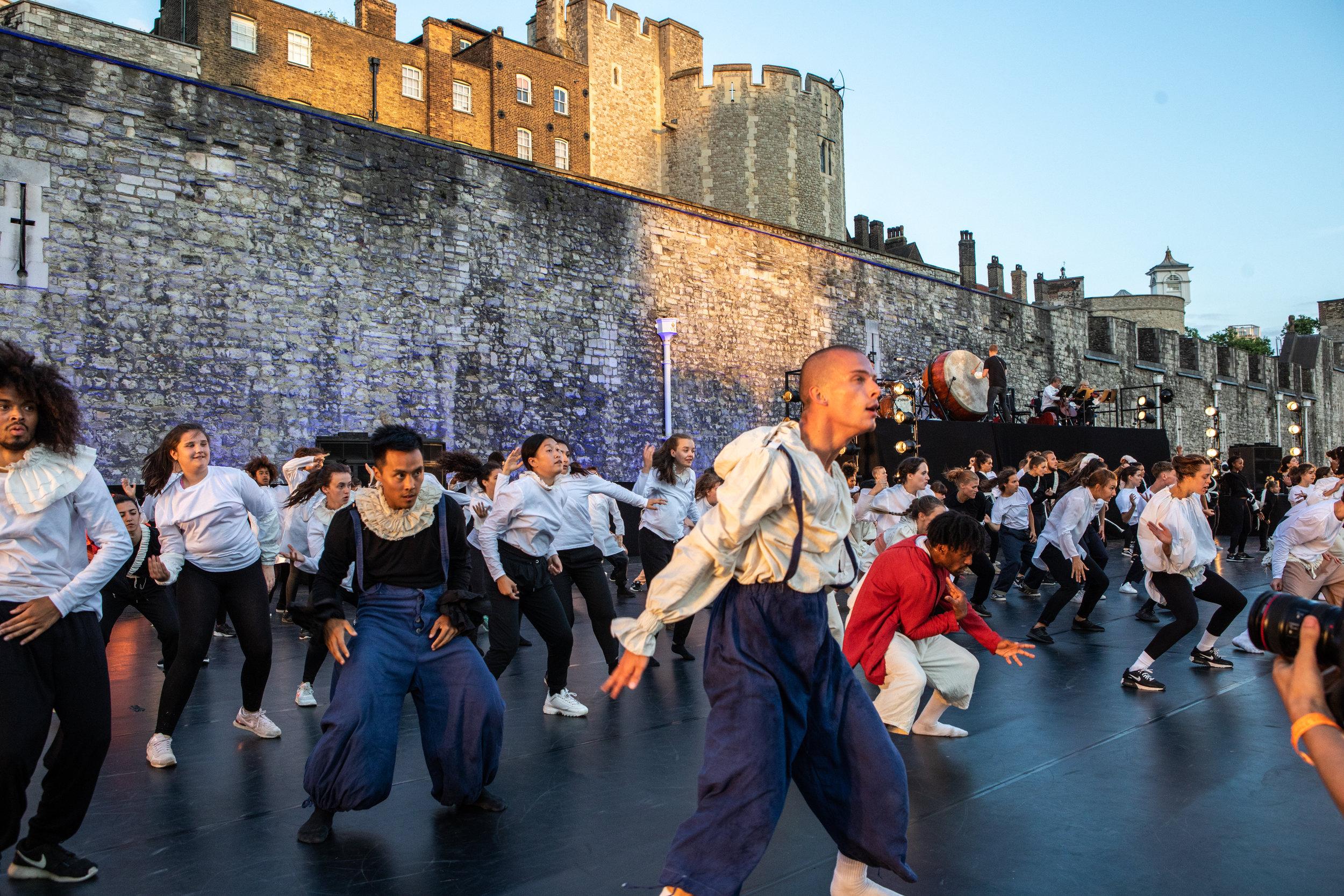 East Wall – by Victor Frankowski - Choreographer Hofesh Shechter Finale 7.jpg