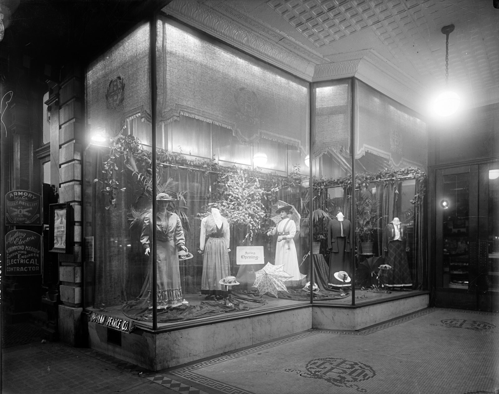 N_53_15_9776-Boylan-Pearce-Window-Displaying-Dresses.jpg