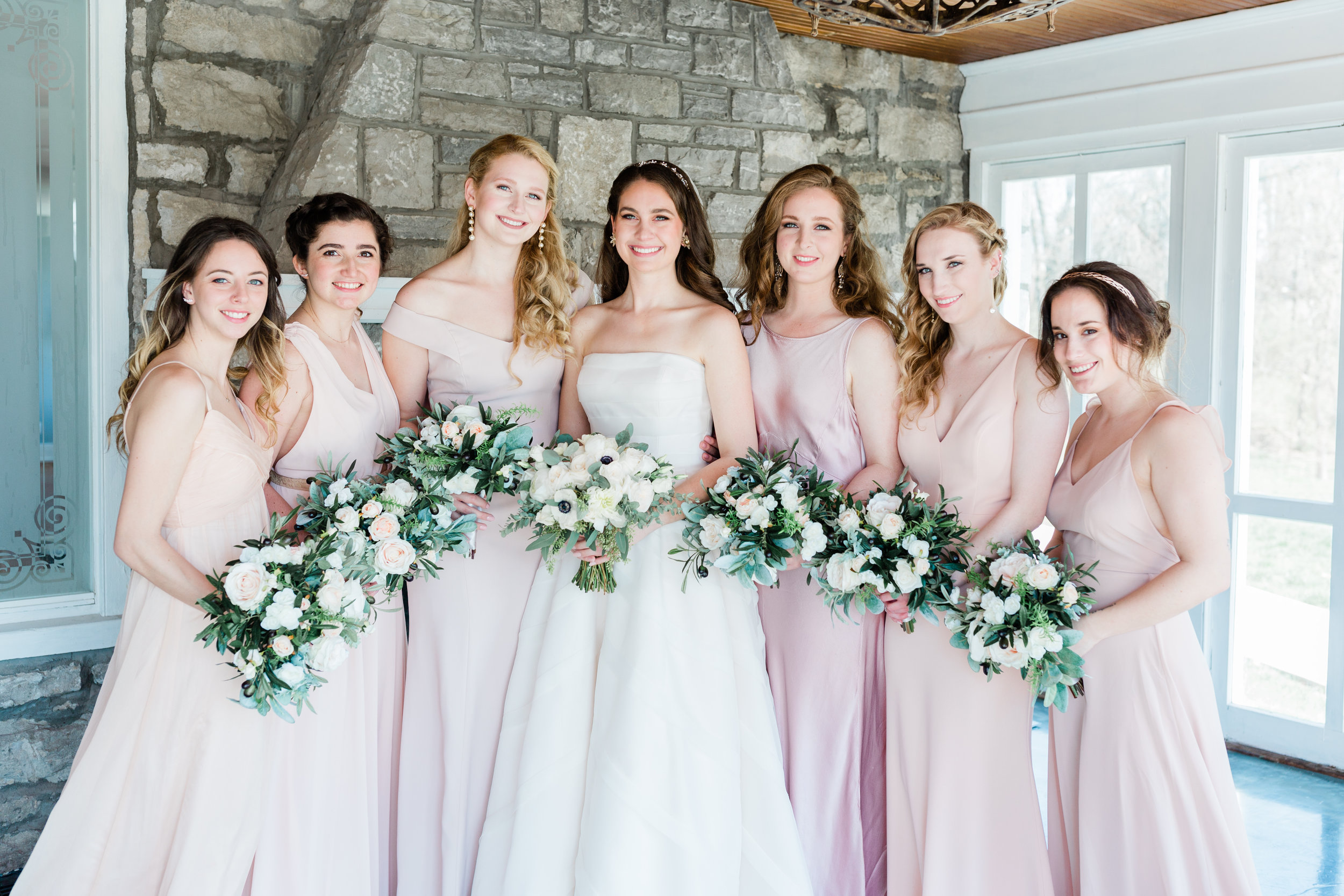 Dorothy_Louise_Photography_Amanda_Ryan_Stone_House_St_Charles_Wedding_Highlights-118.jpg
