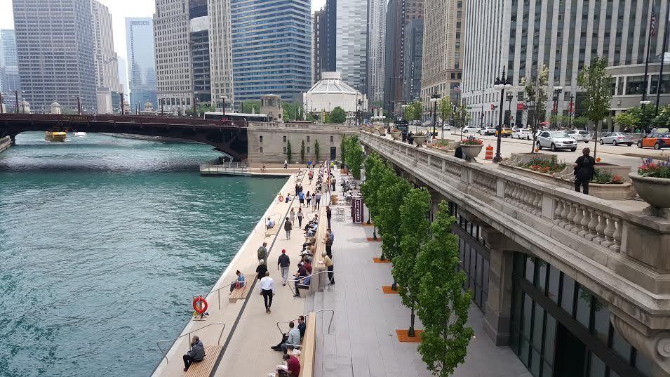 best of chicago Chicago River walk.jpg