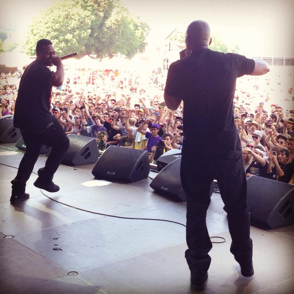Dson-Performs-With-DMC-On-Stage.jpg