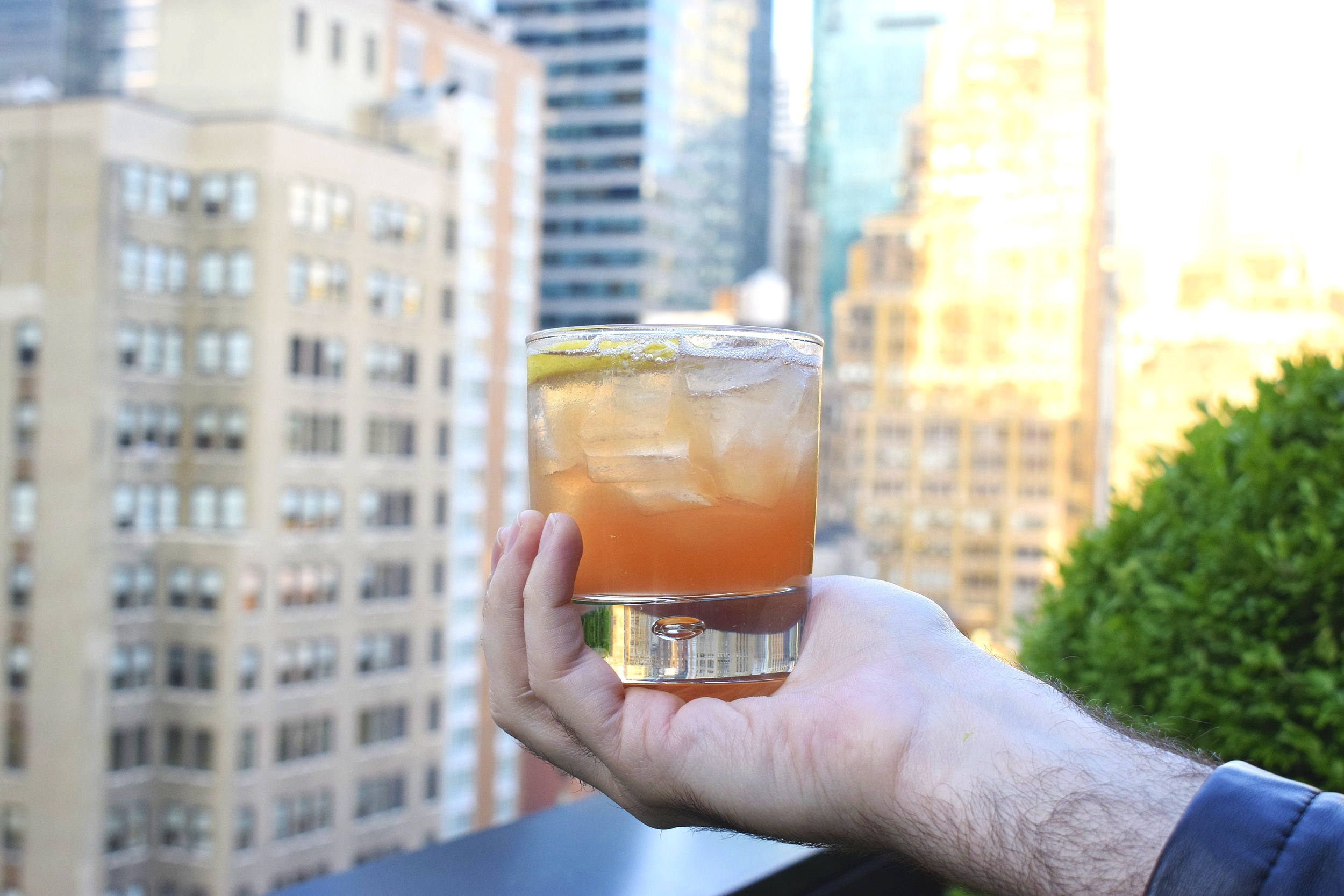 "The ""What She's Having"" Cocktail at Castell Rooftop Lounge 