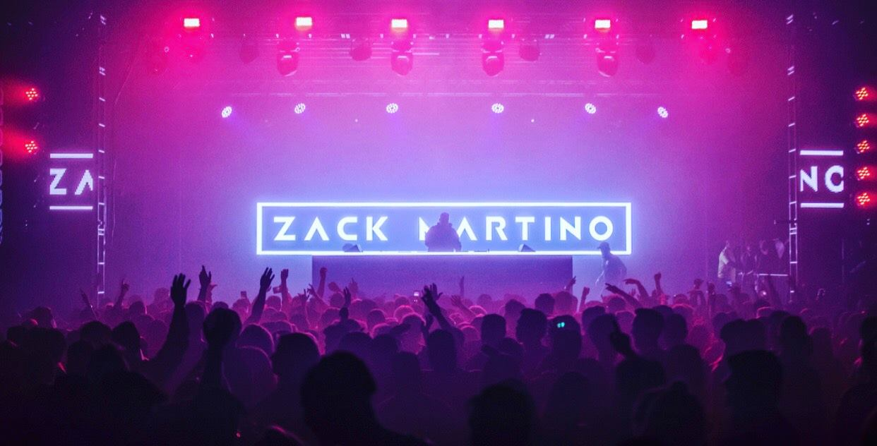 Zack-Martino-Plays-His-Song-Mood-For-Fans.jpg
