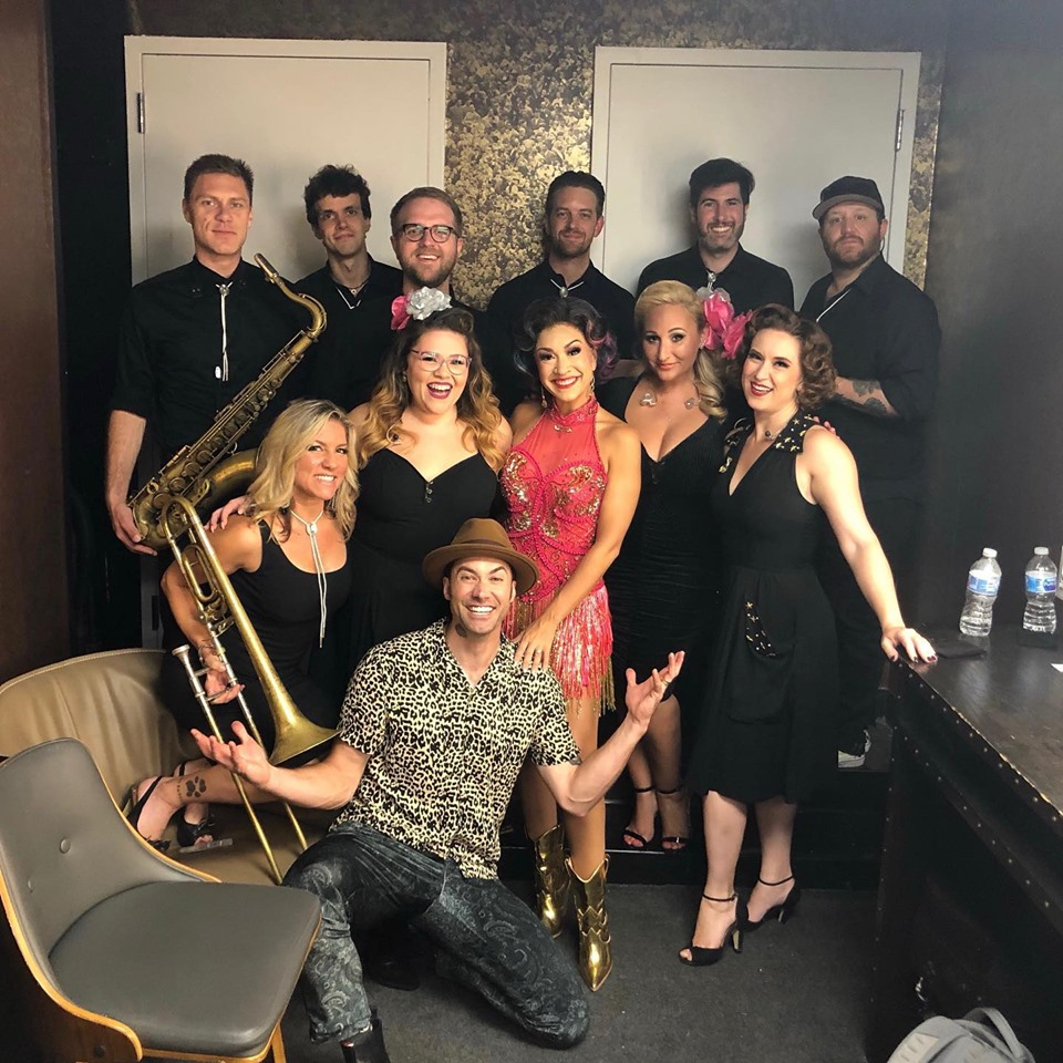Diana-DeGarmo-And-Ace-Young-Pose-With-Band-After-Sony-Hall-Show.jpg