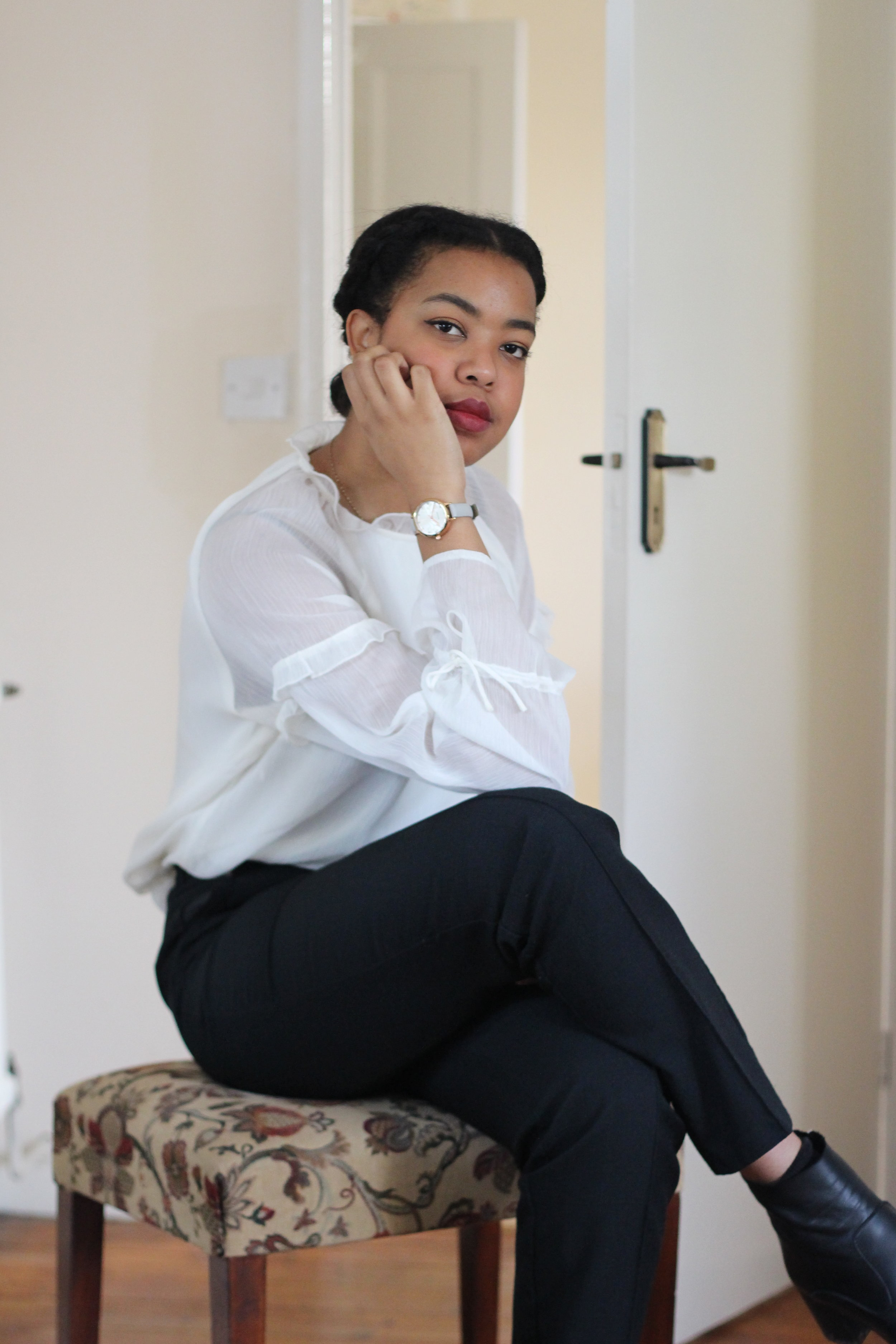 HERE ARE SOME OF MY PINTEREST INSPO ITEMS IN REAL LIFE.   WHITE FRILLED BLOUSE, £5 TK MAXX/ BLACK TROUSERS, £1 CHARITY SHOP/ BLACK CLASSIC BOOTS, OFFICE  (They were a splurge, but I wear them constantly).
