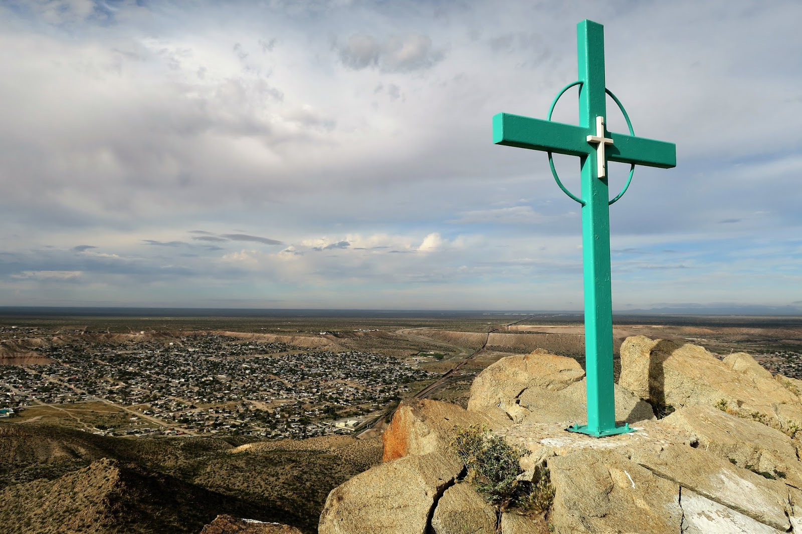 Going up and down Mt Cristo Rey 10.JPG
