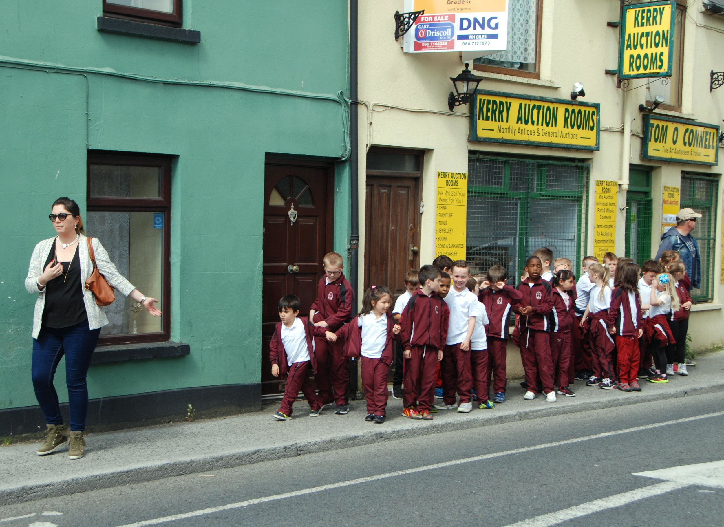 Children on a school outing in Tralee, Ireland. School is state funded with the exception of books and uniforms. Most primary schools are privately owned by religious organizations but state funded.