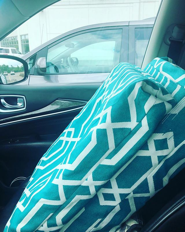 Have maternity pillows, will travel.... for abyanga, lymph drainage massage @mookshi_healing_arts with @cara_deva_ 💜 self care is health care #36weekspregnant #birthfitgrovecity #motherhoodtransition #lymphdrainage #babykarnish