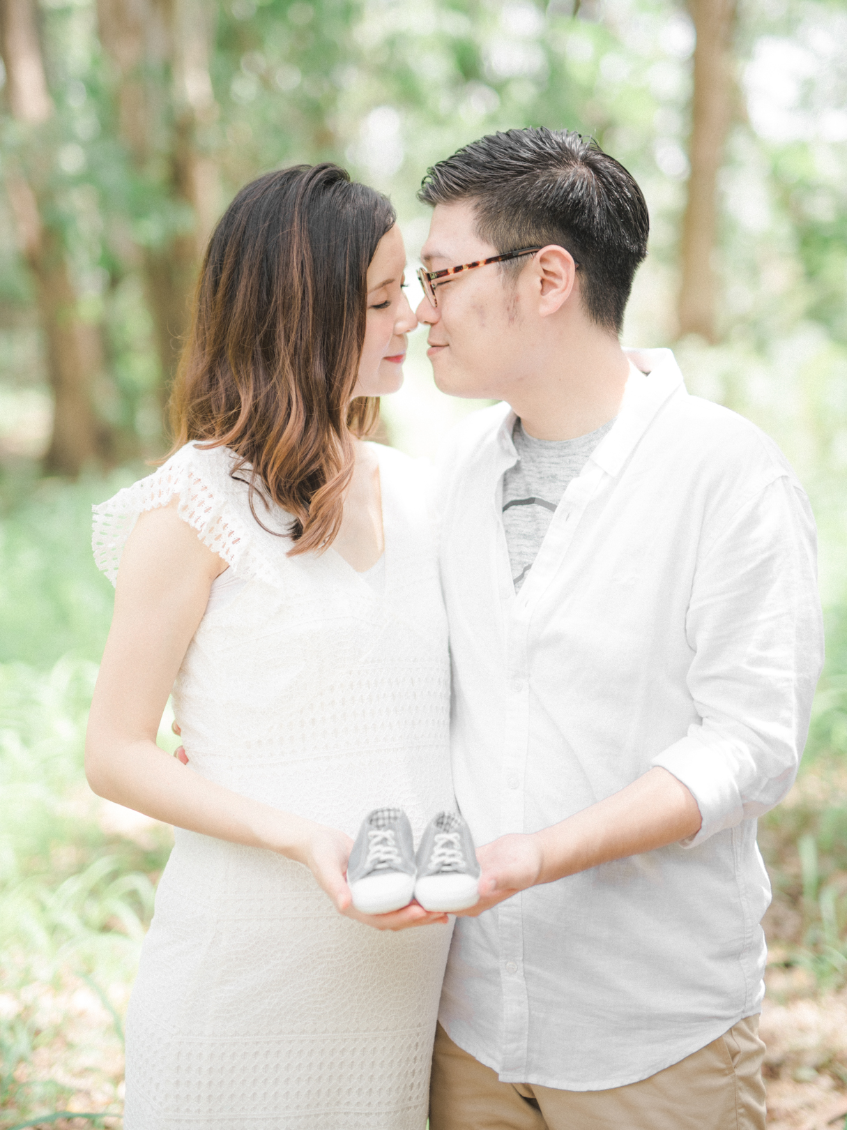 A-Forest-Maternity-Session_00018.jpg