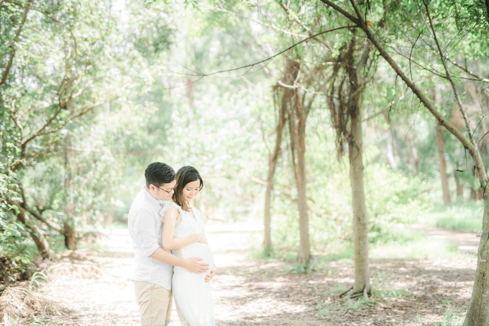 A-Forest-Maternity-Session_00017.jpg