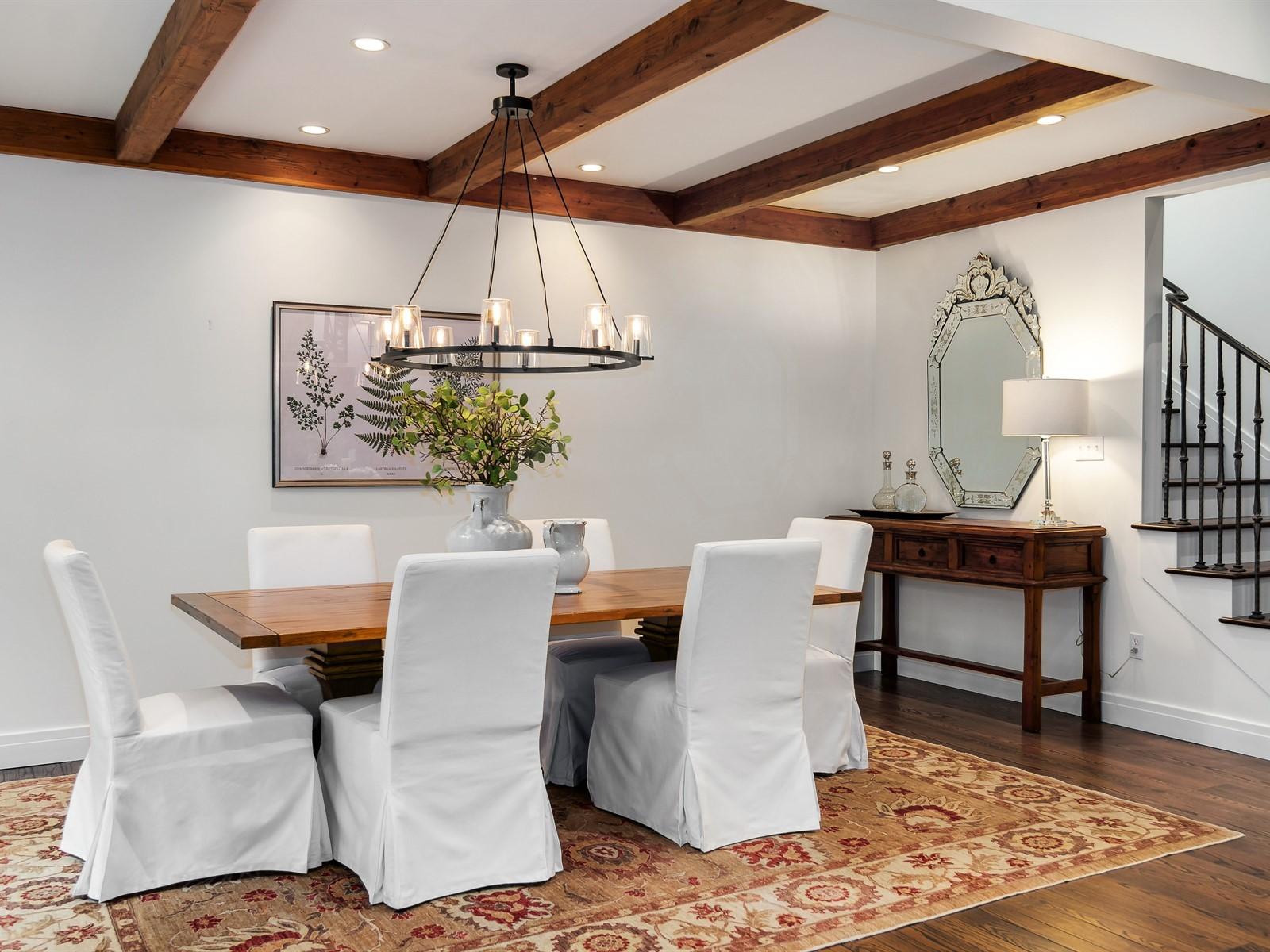 008_Dining Room.jpg