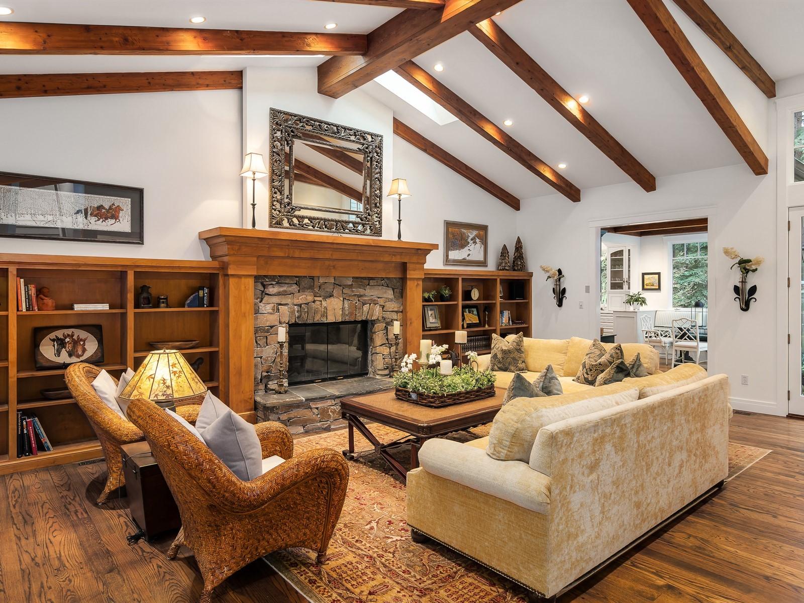 013_Living Room.jpg