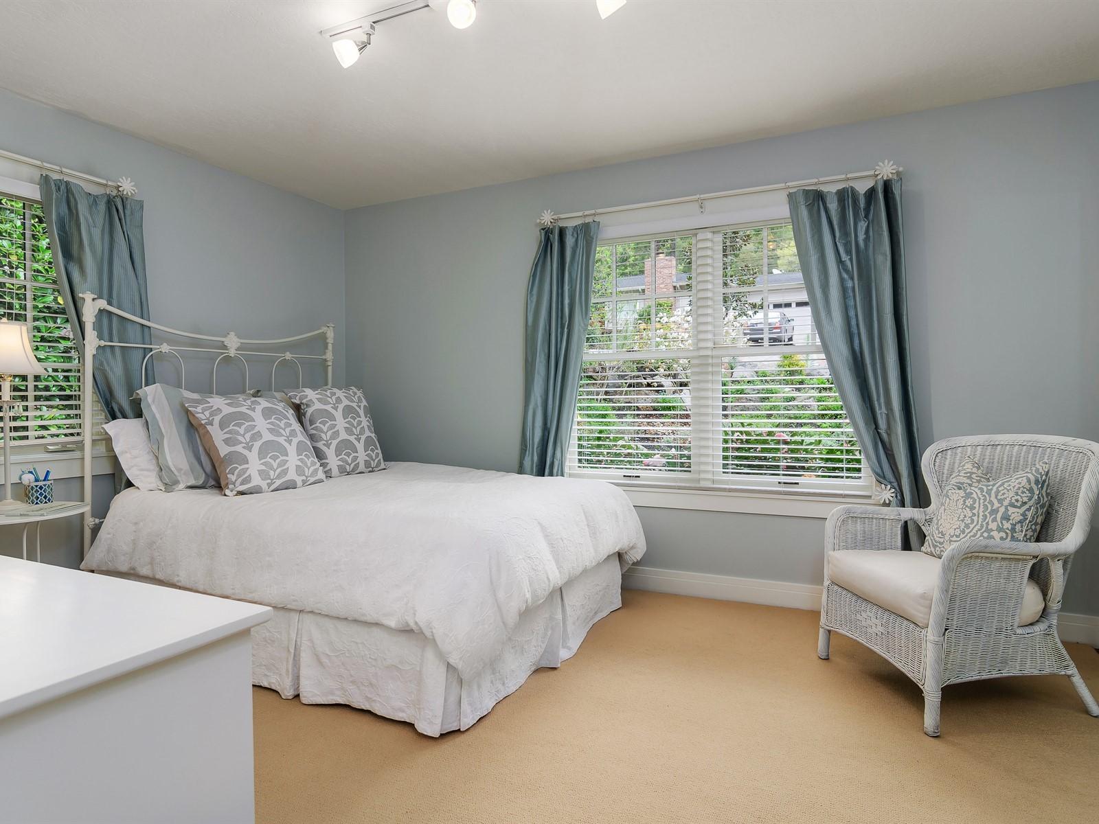 028_Bedroom.jpg