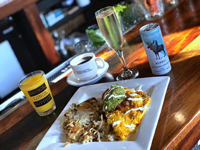 Prosecco? Coffee? OJ?  D. All of the above! Choose your #BrunchDrank when you stop in for a Chorizo omelette  with housemade pico de gallo! Today only 🤗. . . . #brunchrva #brunchgoals #brunchallday #RVA #thefanrva #rvadine #eatlocal #dailyfoodfeed #eeeeats #goodeats #southernstyle #vafoodie