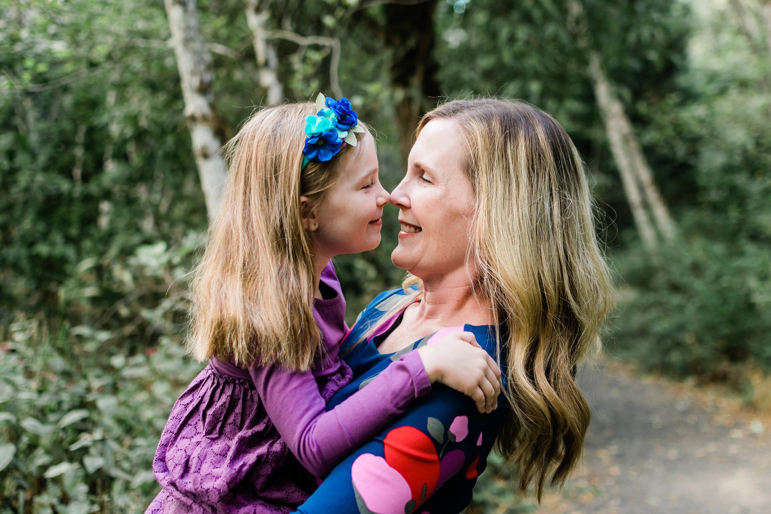 Eskimo Kisses, family photography portland oregon