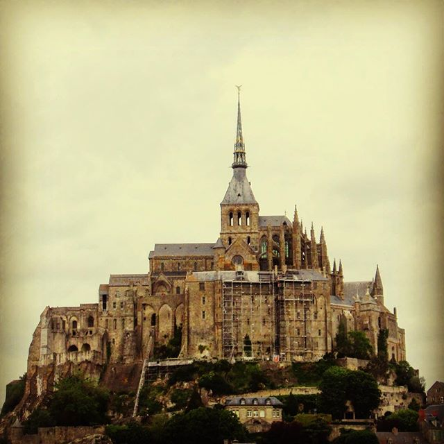 When Nina and I went to Mont St Michel and ate crepes.  #france #travel #europe #goexplore #exploreeurope #rockandroll #rockband #montstmichel #monistary #goth #adventures #diyband #stonerband #selfreleased