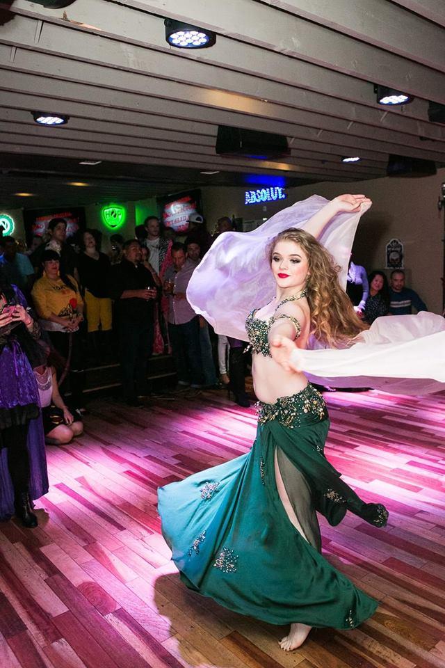 Shea Alexa dances at Bachata Ladies Night 2018hosted by Inaki Villanueva - Photo by Lenny Gotter