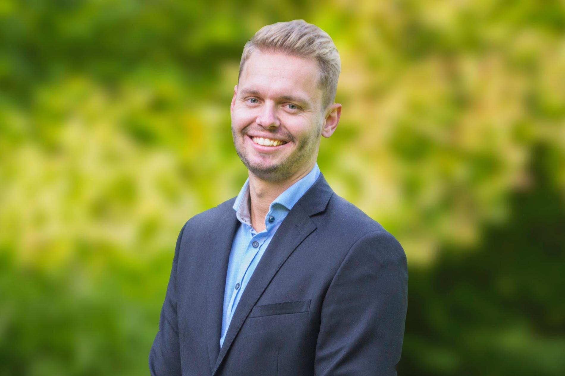 Arjan Postma (MSc) HEOR Consultant Expertise: Orphan drugs, vaccines, market access and reimbursement