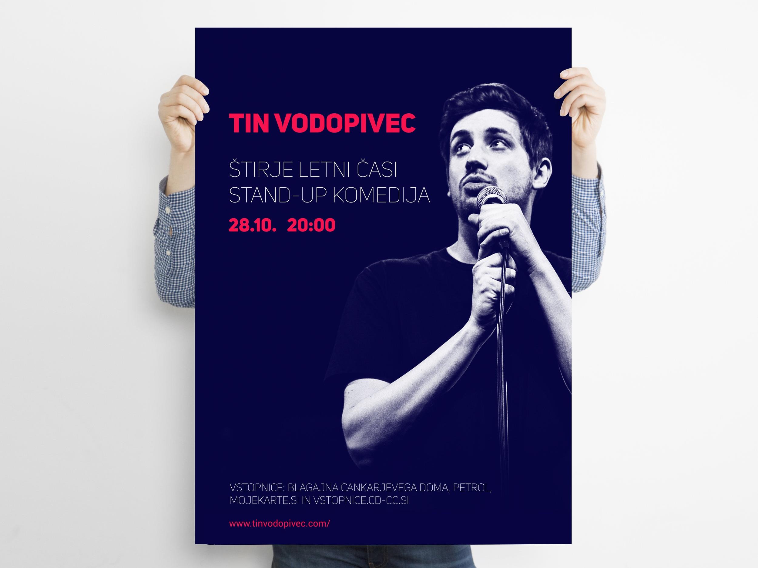 Free+Man+Holding+Advertisement+Poster+Mockup+PSD.jpg