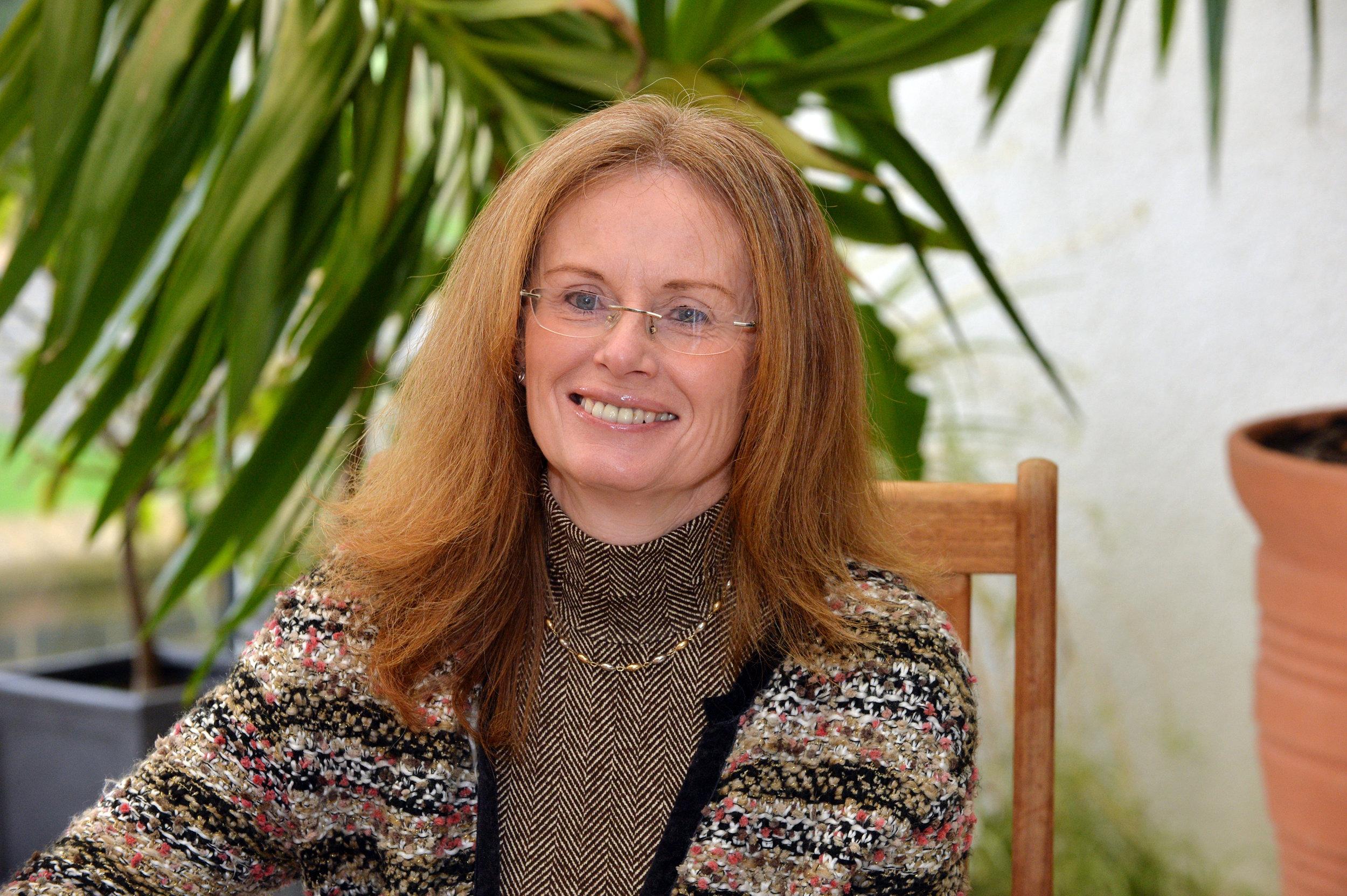 Melanie Davies -