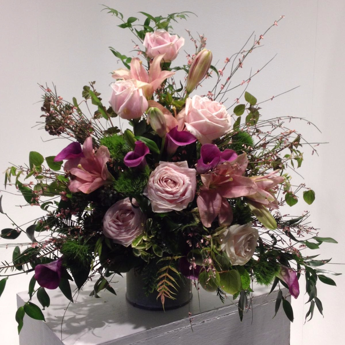Table Arrangements - Weddings, birthdays, parties - we can create table arrangements for any event, or even just to brighten up your dining table at home!