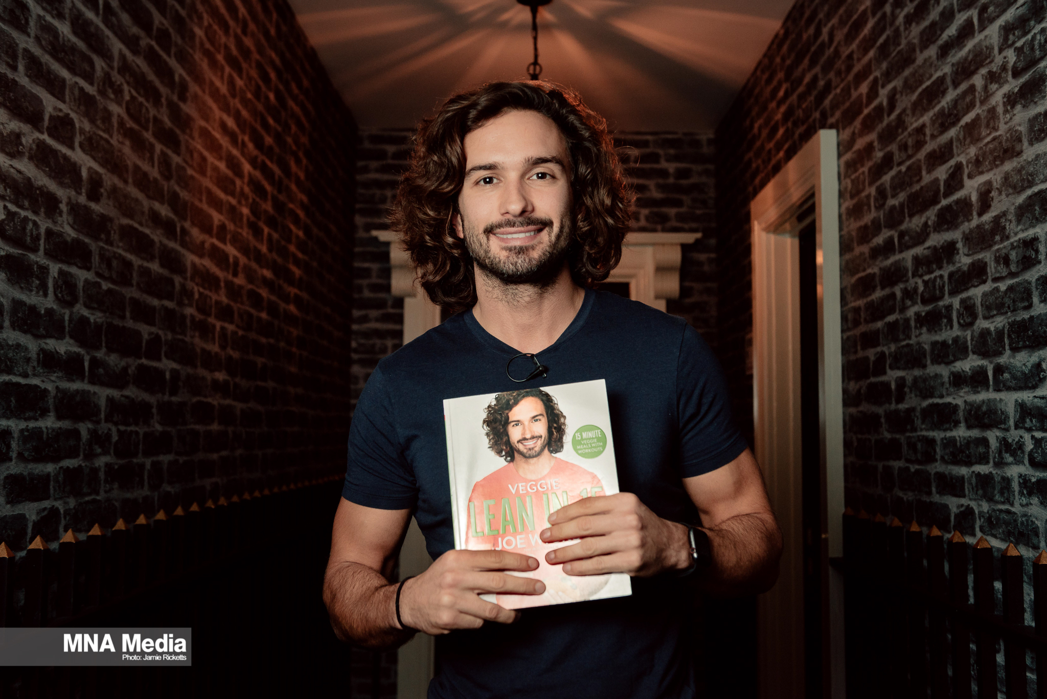 JOE WICKS 12 JR 01.jpg