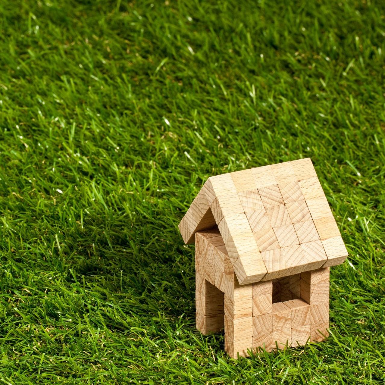 Immobilien - Die beste Beratung fängt weit vor dem Kauf, dem Umbau/Modernisierung oder dem Unterschreiben des Mietvertrages an.Das gilt für privat als auch geschäftlich genutzte Objekte.Dann ist es mir möglich, auf Grund von Kriterien wie den Chi-Fluss und anderen relevanten Aspekten, die für Sie beste Immobilie zu identifizieren oder die vorhandene zu optimieren.