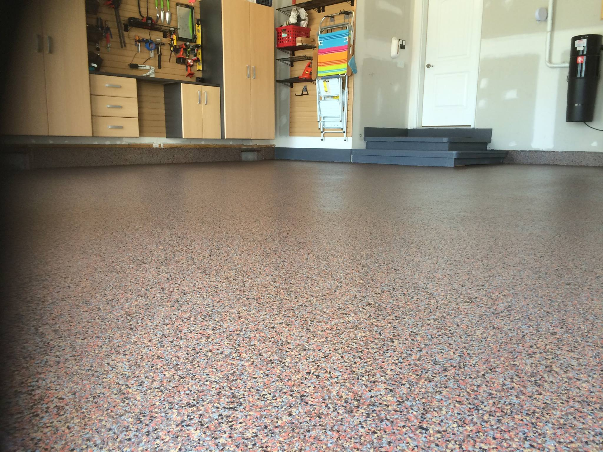 Full Flake Finish is durable, beautiful and so easy to keep clean!