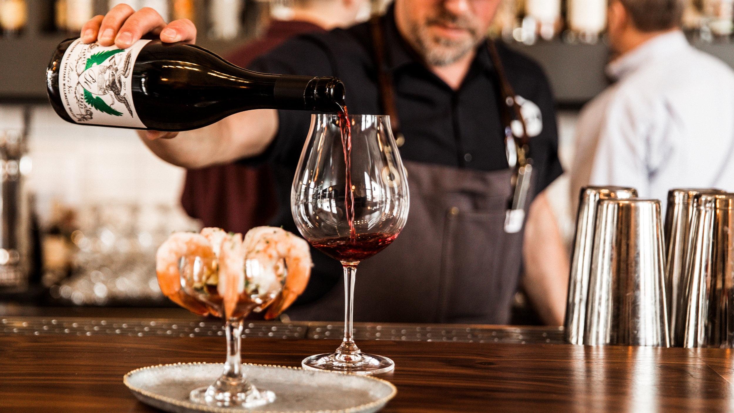jody+pouring+wine.jpg