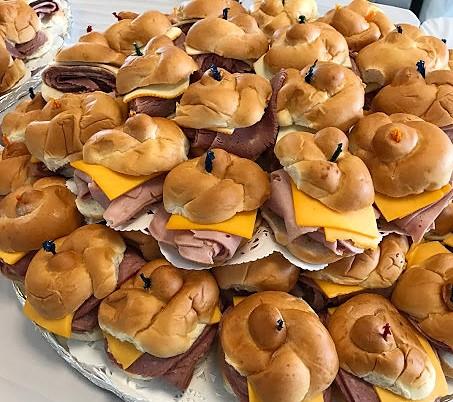 dinner roll tray3.JPG