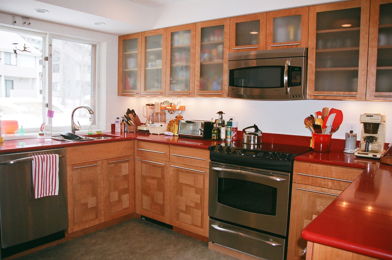 Loon Kitchen - Cherry wood with a unique dimensional veneer pattern