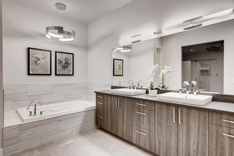 942 S Fulton St Aurora CO-large-012-20-2nd Floor Master Bathroom-1500x1000-72dpi.jpg
