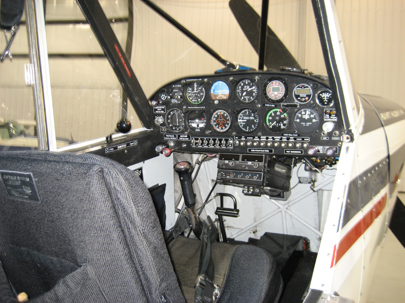 aviat husky cockpit