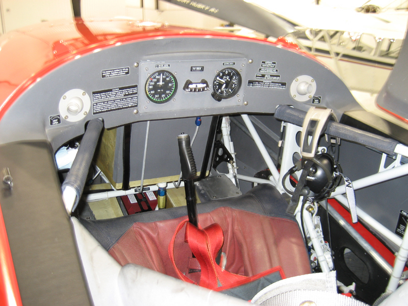 Extra 300 L cockpit