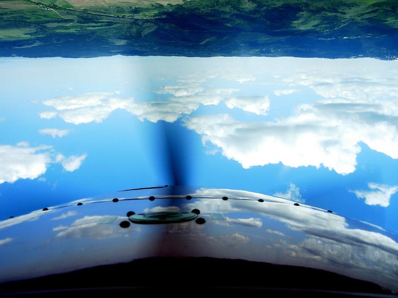Extra 300 L upside down