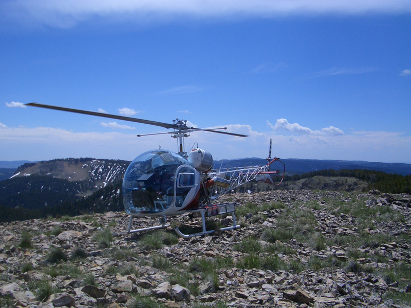Bell 47 in the mountains