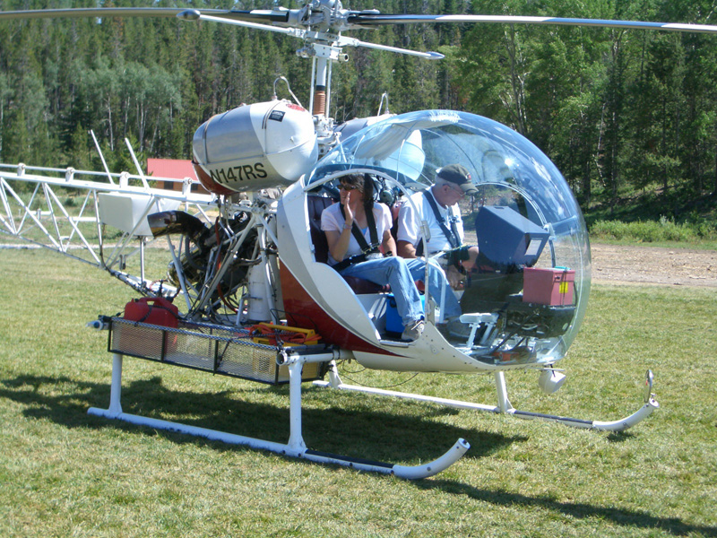 Bell 47 ready for takeoff