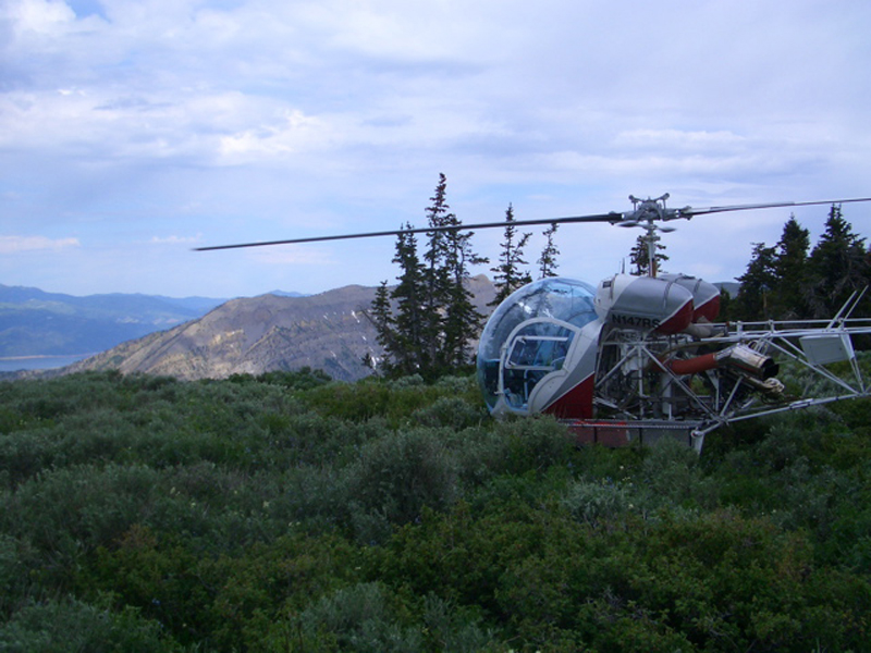 Bell 47 in the mountains landed