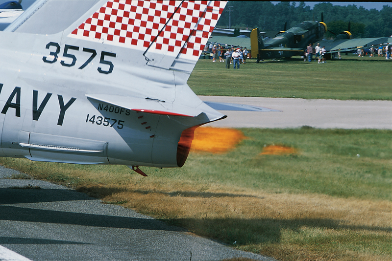 FJ-4 Fury jet thrust