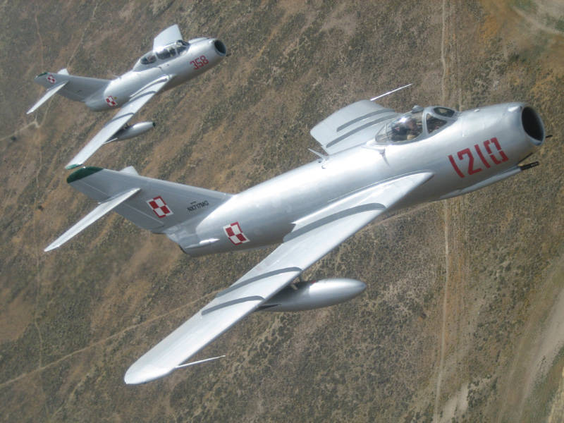 Mikoyan-Gurevich MiG-17 and Mig-15 flying in formation