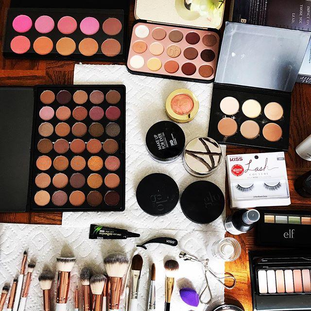 Ever wonder how exactly great eyeshadow happens? Eyeshadow secrets SPILLED! New blog post. Link in bio ✨Check it out!! . . . . . . . . . #makeuplover #makeupartist #bridestyles  #happyeyes #bblog #eyesclosed #eyesopen #mua #softsmokes #natural #makeupgeek #makeupaddicted #liquideyeliner  #anastasiabeverlyhills #powerofmakeup #mua #wakeupandmakeup  #simplemakeup #daytimeglam #softglam #makeupfeed  #makeupdaily #photooftheday  #makeuponfleek #prommakeup #beautyblog #eyes #dfwmakeupartist #beautyblogging #eyeshadowtutorial #bloggersofinstagram #dfwmakeupartist