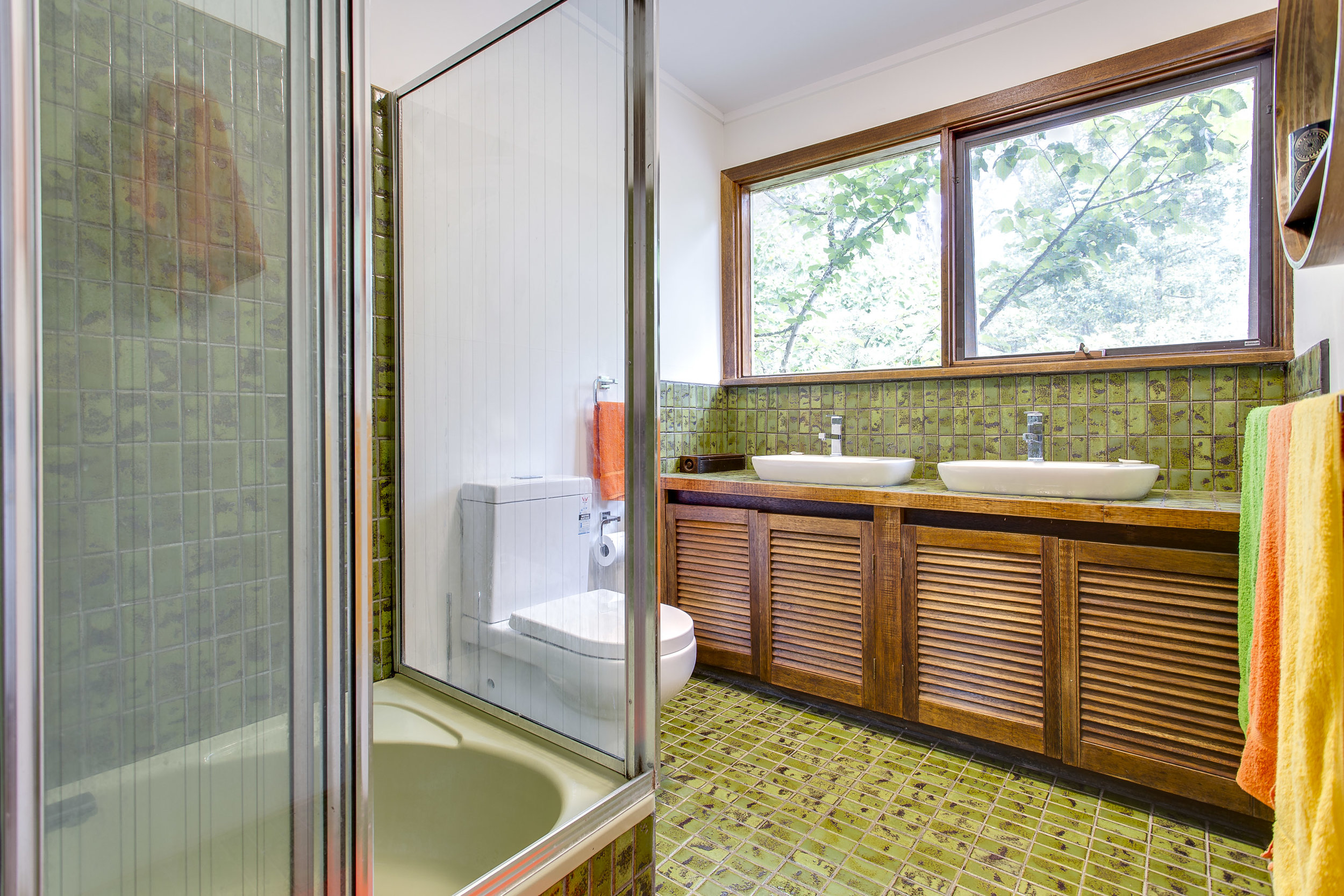 Copy of Copy of Copy of BUTTERFLY RED HILL- BATHROOM