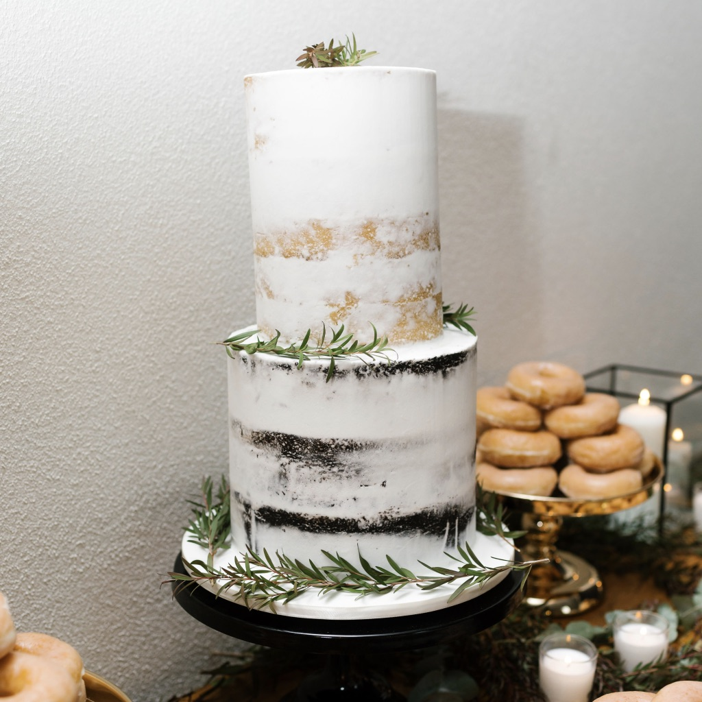 Wedding Cakes-  Perrilicious Cakes  Image-  Hello Chloe May