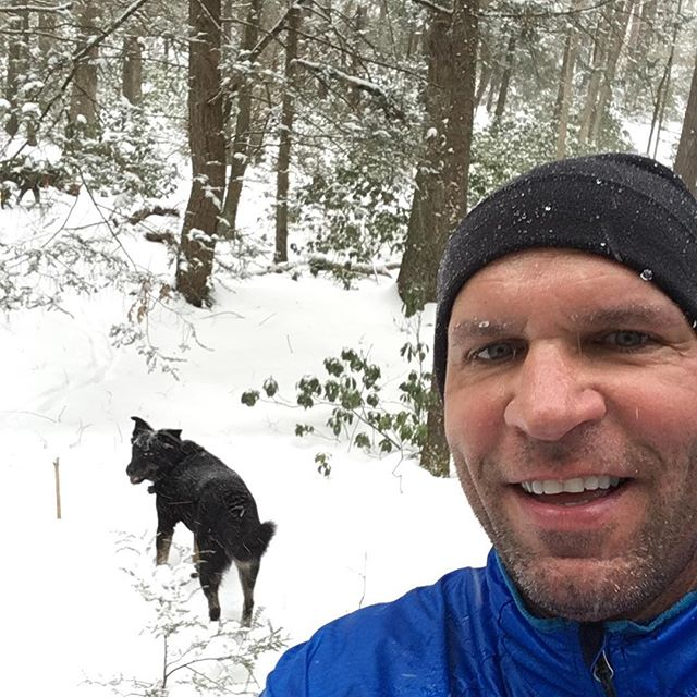 Snow run with the trail dogs. #patraildogs #rocksylvania #boulderbeast #hynertraining #lovewinterrunning