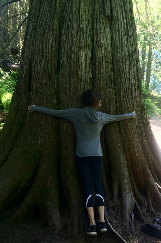 Sometimes, You Need to Hug a Tree. - During Sometimes, You Need to Hug a tree, Ep.6 of Trail Mix, Sophie and George discuss unwinding from city life. They explain what happens when they're in the city for too long, how they unwind inside and outside the city, recent travel escapes, why relaxation is important, and what the benefits are. The recurring segment is a book recommendation about The Third Industrial Revolution: A Radical New Sharing Economy, and the Trail Mixer Q&A is about how you unwind. Please subscribe, rate & review, and SHARE!