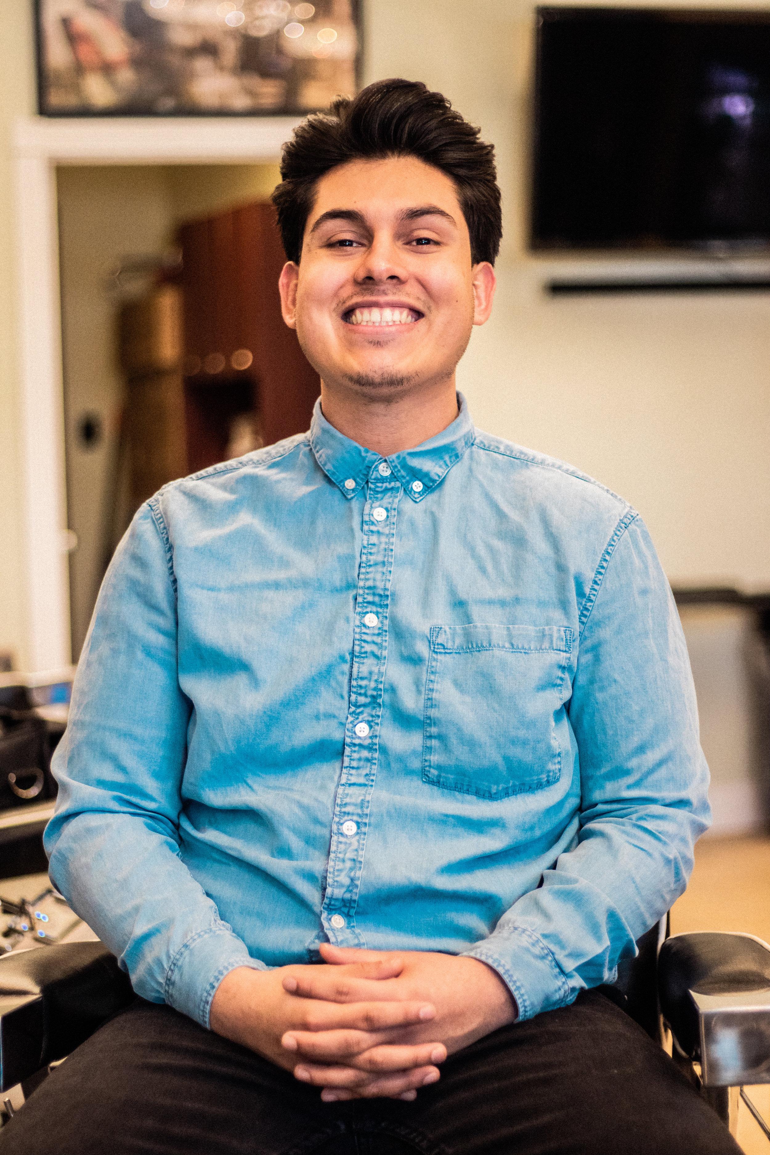 JULIO GONZALEZ - Manager