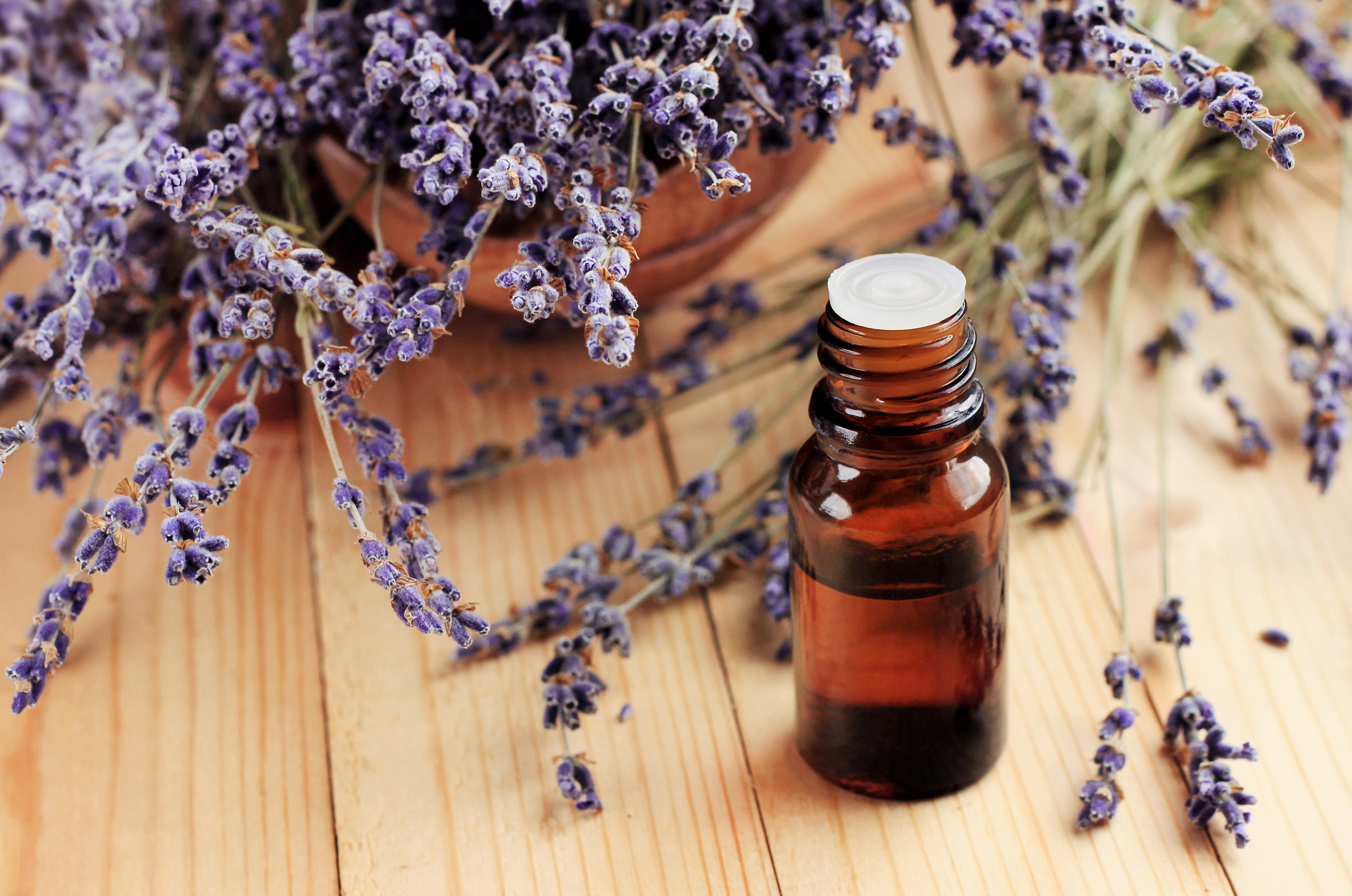 Healing-lavender-essential-oil-for-beauty-treatment-and-home-deodorant-1005549310_2131x1413.jpeg