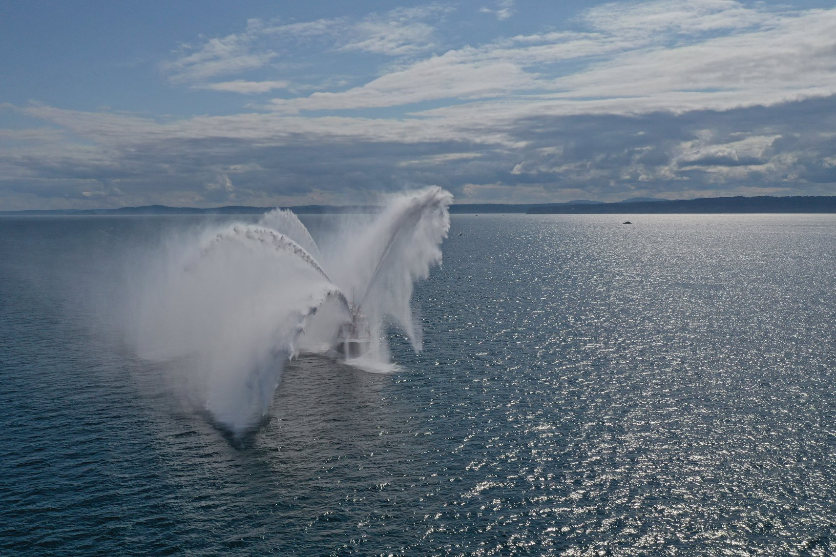Moore 24 fleet outdoes itself by hiring celebratory fireboat