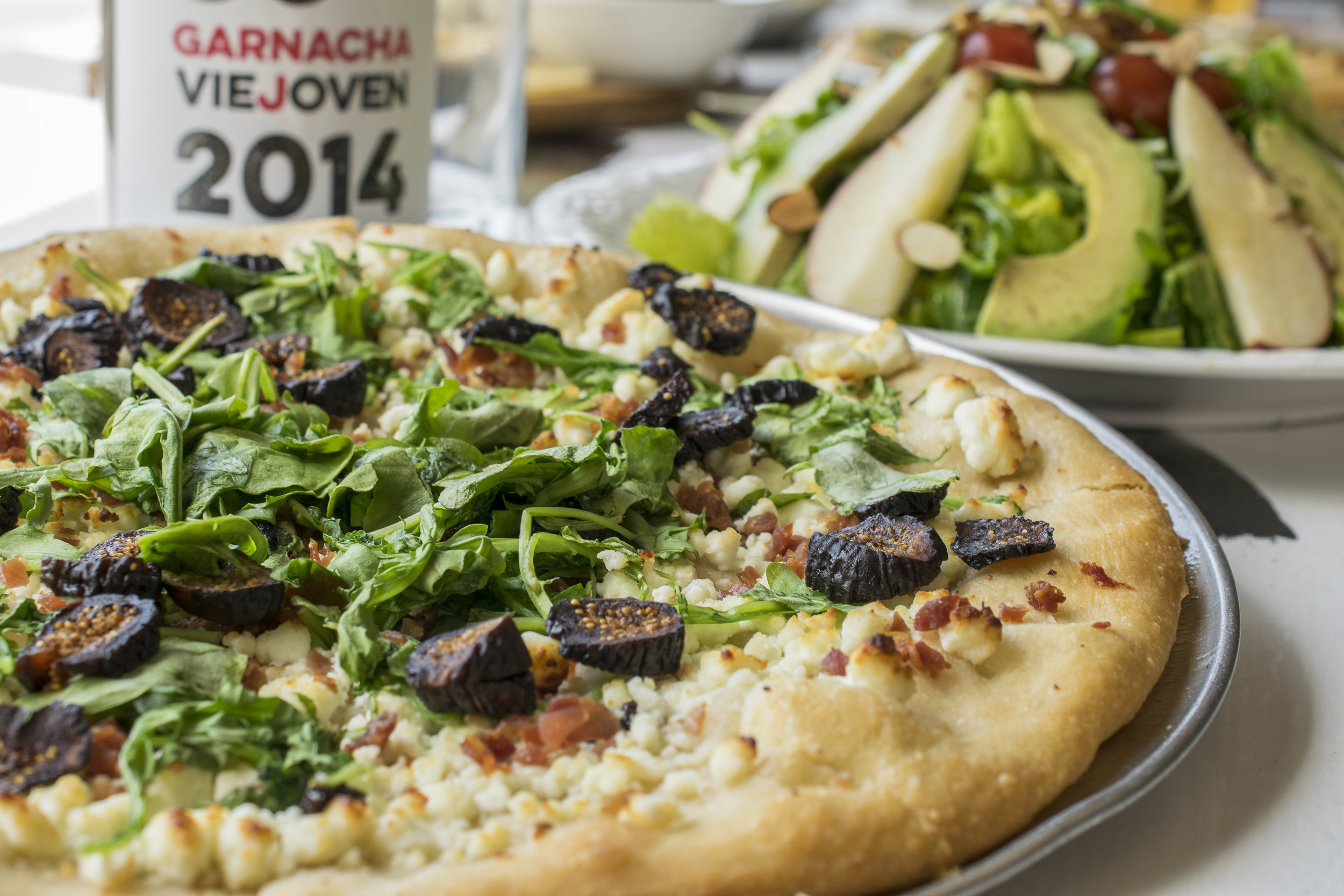 Goat Cheese and Ham Pizza with Arugula
