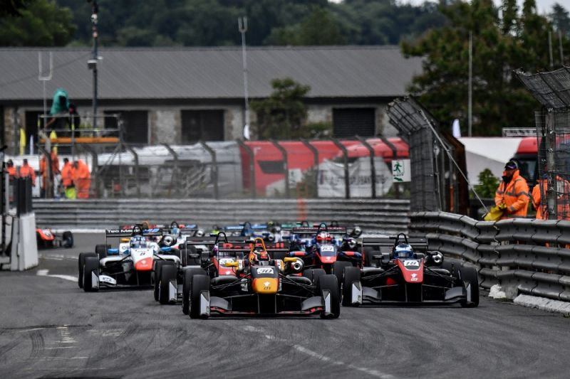 Lawson leads the Euroformula Open field on the opening lap.